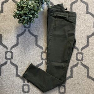 Divided Olive Jegging